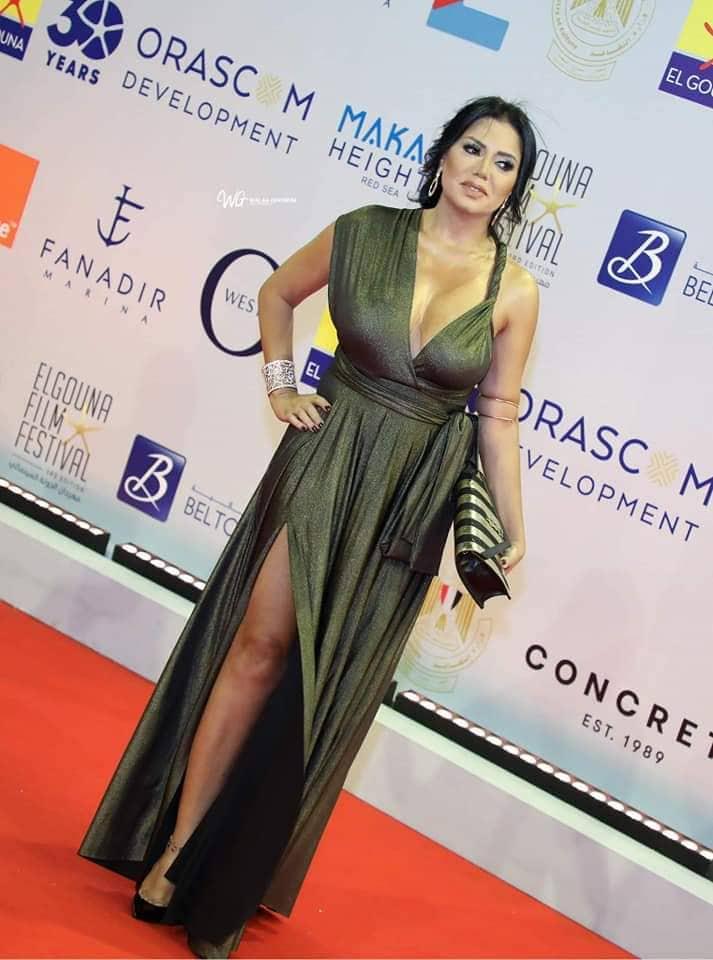 فستان رانيا يوسف يثير الجدل من جديد في مهرجان الجونة
