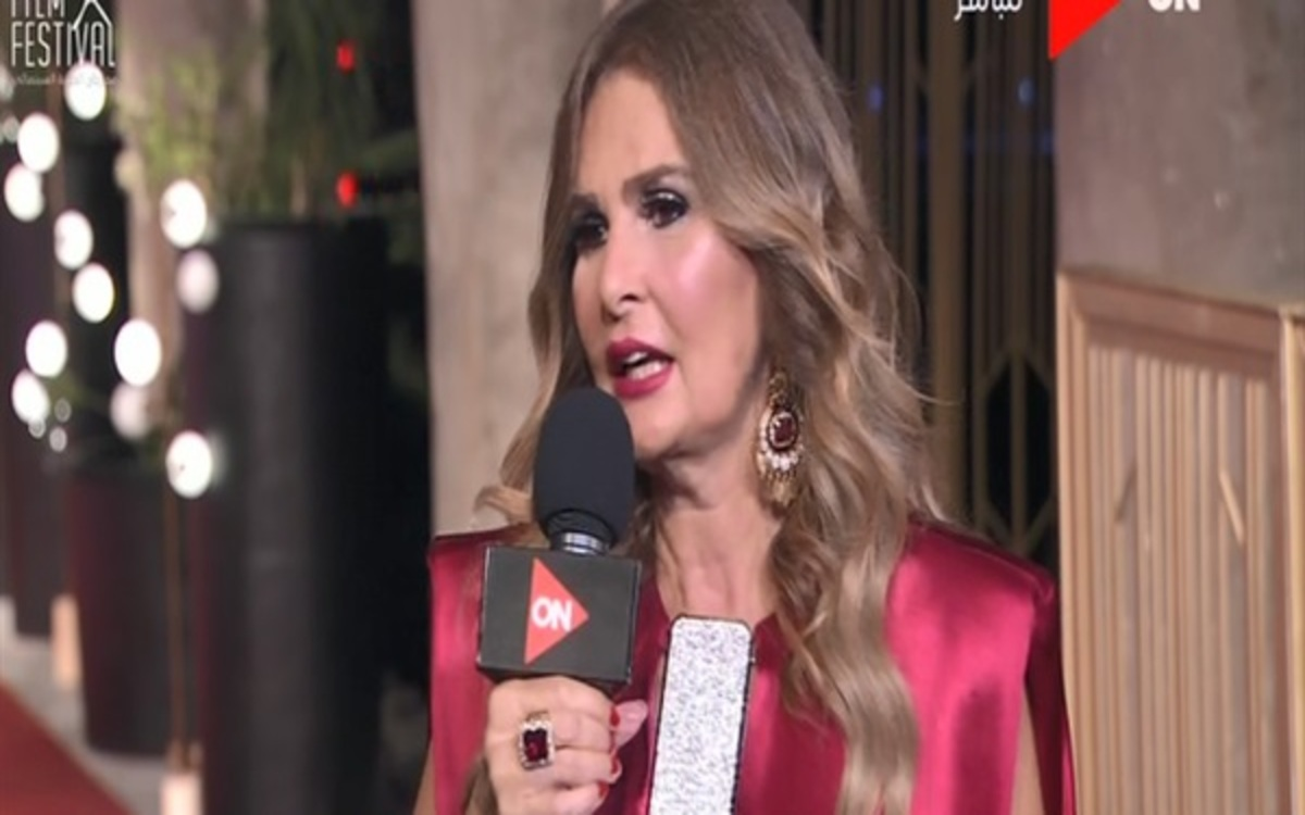 صورة يسرا  تتألق علي السجادة الحمراء في مهرجان الجونة السينمائي