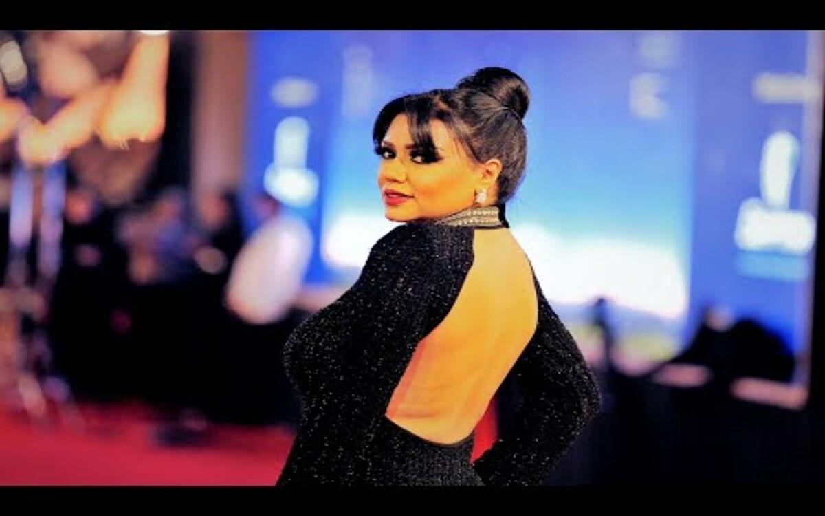 صورة صور رانيا يوسف تظهر بفستان مثير على السجادة الحمراء بمهرجان الجونة صور